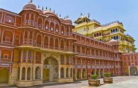 Darshan-With-Jaipur
